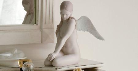 Lladro 18235 BEAUTIFUL ANGEL