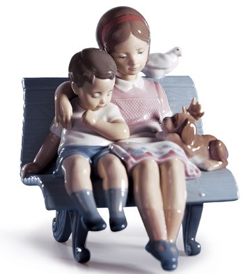 lladro-surrounded-by-love