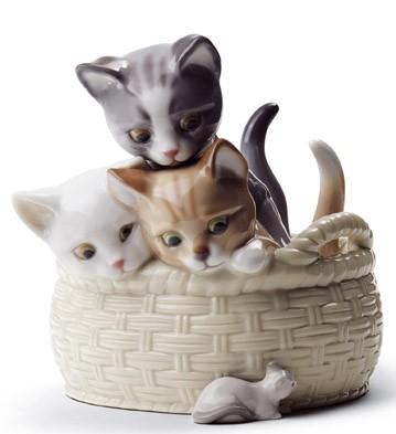 Lladro CURIOUS KITTENS